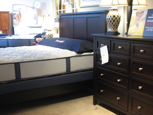 Bedroom sets kalamazoo battle creek storage bed collection vandenberg furniture for Bedroom furniture kalamazoo mi