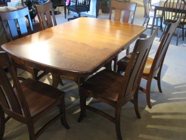 CountryView Quarter Sawn Oak Dining Table And Chairs By Wengerd