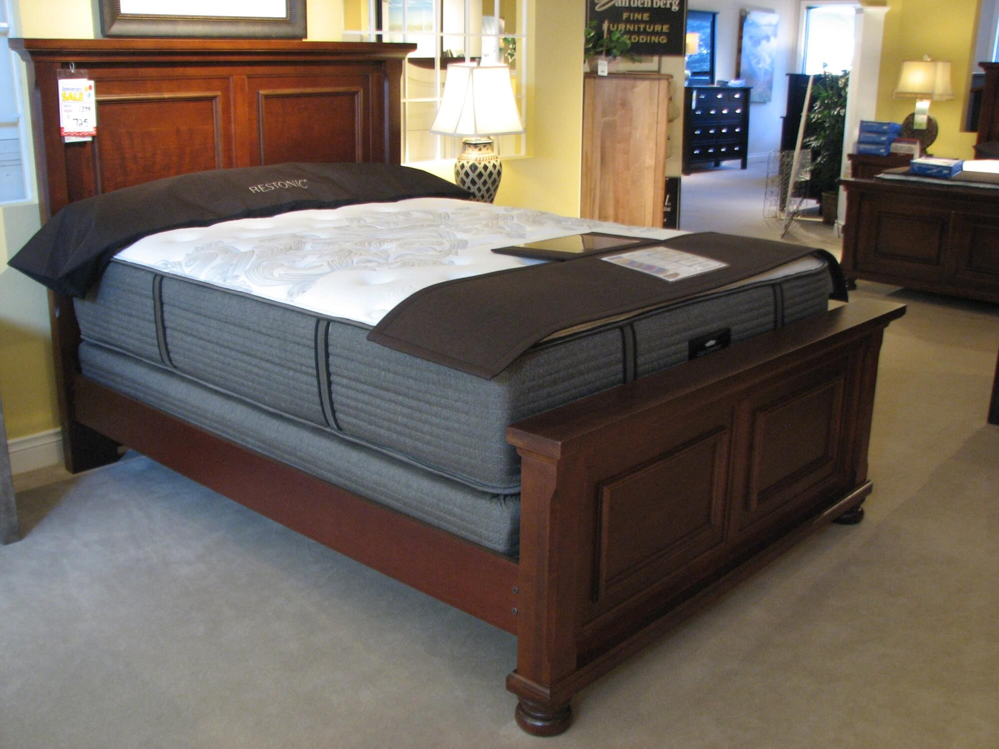 Vaughan Bassett Traditional Cherry Stain Bed